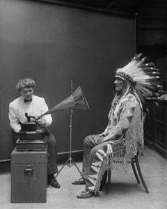 Musique ethnographique et folkorique